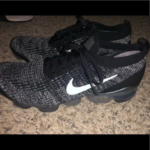 Nike Air VaporMax Flyknit 3 Tennis Shoes